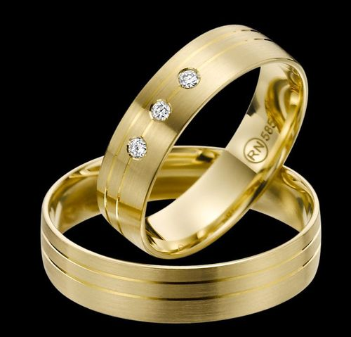 Trauringe - Rubin - EC 84 - R139 - Gold 375, 585 oder 750 - mit 3 Brillanten 0,06ct IF-R